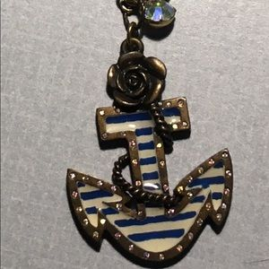 Beautiful anchor necklace
